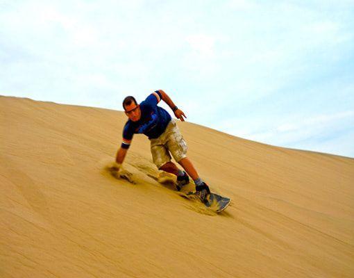 huacachina peru sandboarding